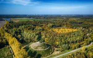 Almere Boven surrounded by autumn trees