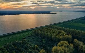 Sunset autumn picture of lake Gooimeer