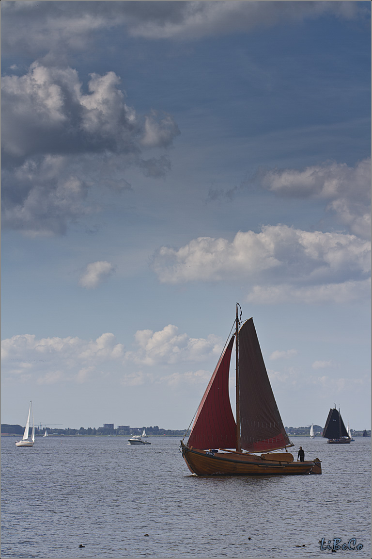 Sailing boat on Eemmeer
