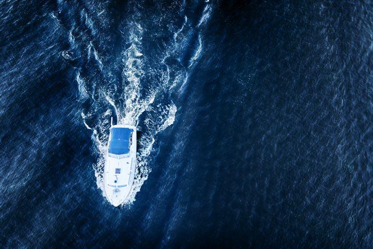 Cruising lake Gooimeer