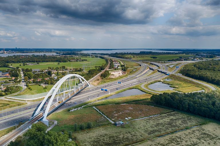 Zandhazenbrug over highway A1