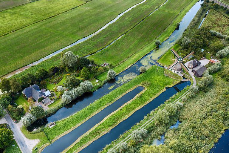 Molen de Onrust near Weesp from high up