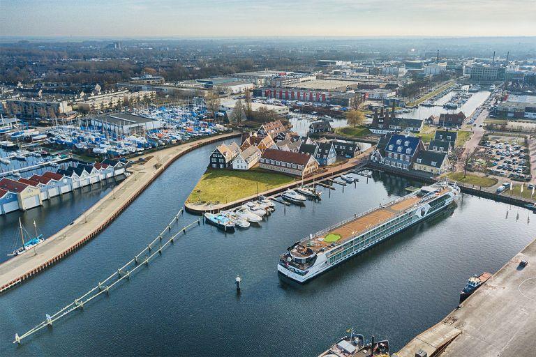 River cruise ship at Huizen marina