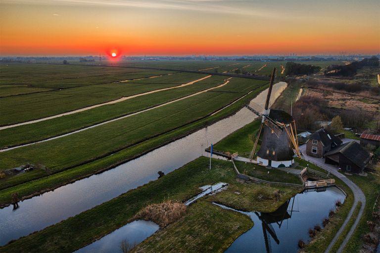Windmill Meermolen de Onrust during sunset